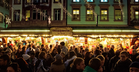 Glüweinstand Weihnachtsmarkt Mainz